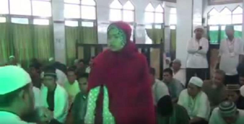 দেখুন জিন হাজিরার বাস্তব চিত্র! (ভিডিও)