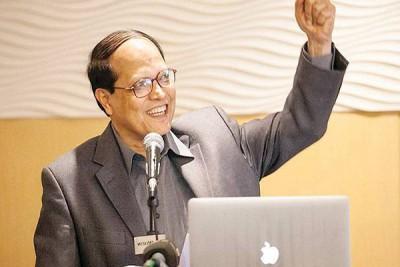 আসুন জেনেনিয় ড. আতিউর রহমানঃ রাখাল বালক থেকে যেভাবে হয়েছিলেন বাংলাদেশ ব্যাংকের গভর্নর…