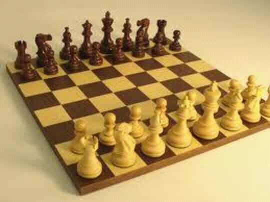 Chess গেম খেলুন অনলাইনে আর সবাইকে হারিয়ে দিন প্রফেশনালভাবে।