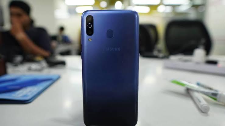 Samsung Galaxy M30s ৬০০০ এমএএইচ ব্যাটারির সাথে😱😱 স্পেসিফিকেশন পোষ্টের মধ্যে।