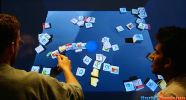 এবার আপনার পিসিকে বানিয়ে ফেলুন 3D সবার জন্য তবে Windows Touch ব্যবহারকারীরা অবশ্যই দেখবেন A Multi Touch 3D Physics Desktop