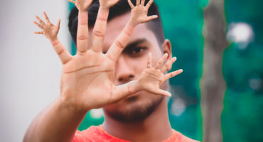 অসাধারণ একটি ফটো ইডিটিং টিউটোরিয়াল। আশা করি সবাই দেখবেন। Creative Hand & Finger Photo Editing.