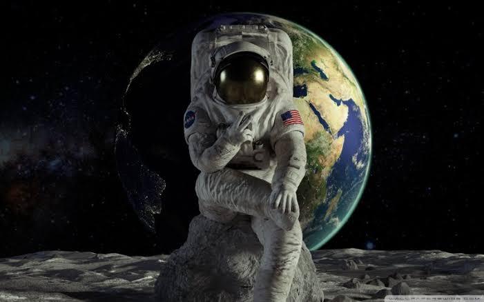 dies in space