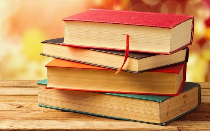 বইপোকাদের জন্য ৯ টি অসাধারণ সহজ ইংরেজি সাহিত্যের বই যেগুলো না পড়লে আপনার জীবন বৃথা