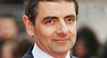 [Movie Review With Download Link] ⚡️ দেখে নিন Mr. Bean খ্যাত Rowan Atkinson এর দমফাটানো কমেডি-সমৃদ্ধ জনপ্রিয় মুভি সিরিজ Johnny English এবং নিয়ে নিন Mr. Bean  সিরিজের ডাউনলোড লিংক! 🎥